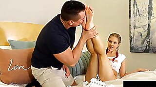 Pigtailed Foot Chick Anabelle Pync Gives Superb Foot Job