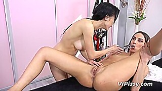 Miky Love And Nicol Love In Hd Pissing Video Massage Surprise - Vipissy