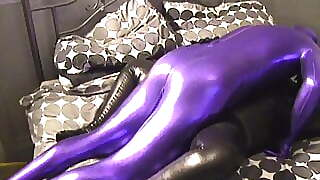 Zentai Couple Having Fun With Gasmask