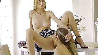 Lesbea Pretty Blondes Mary Rock And Nancy A Share Pussy