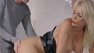 Brazzers -look At This Milf I Think Our Substitute Teacher Is A Pornstar