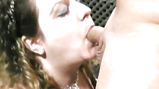 She Gets Her Fat Pussy Licked After Blowjob