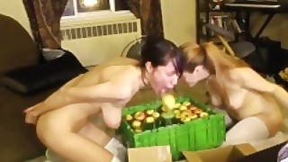 Awesomekate And Delightfulhug - Halloween Bobbing For Apples