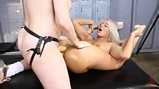 Dana Dearmond Gives London Rivers Juicy Ass The Workout Of Her Life