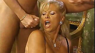 Ira Vaillant Dp And Fisted By Cum Catching Gilf Babette Blue