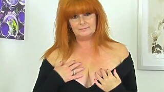 British Milf Ginger Tiger Gets Filthy In Bathroom