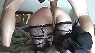 Amateur Big Ass and Cumshot on her Butts