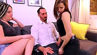 Shake The Snake - Step Sister Show How To Blow Boyfriend Dick
