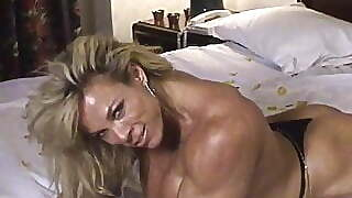 Female Bodybuilder Nude On Bed Posing