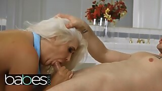 Babes - Chubby Milf Kristina Shannon Gets Big Dicked In The Bathroom