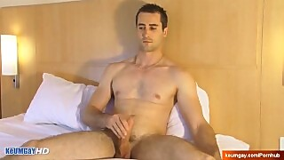 Str8 Delivery Guy In A Gay Porn In Spite Of Him : Guillaume