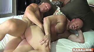 Manalized Hunk Saxon West Swaps Head Before Fucking Daddy