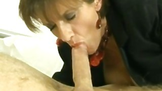 Lady Sonia Sucks Guy At Hotel Until Cum Explode