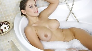 Virtual Taboo - Bathtime With Lusty Milf Vittoria Dolce
