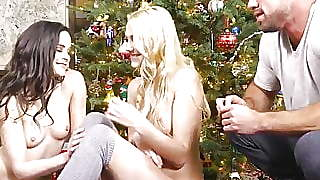Stepsisters Jenna J Ross And Amp; Kenna James Share Boyfriend Xmas