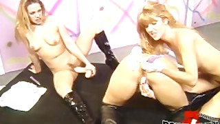 Vintage Lesbian Threesome With Gorgeous Anal Play Babes