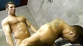 Menover30 Muscle Daddy Wants Young Hunk Gym Dick And His Cumshot