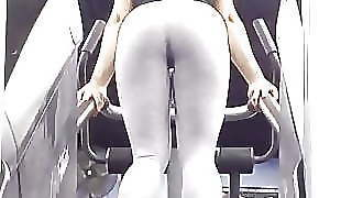 Big Ass Tight Leggings Stairmaster 01