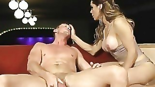 Sofia Sanders Fists And Fucks A Muscle Hunk