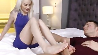 Elsa Jean Uses Pretty Feet To Jerk His Cock