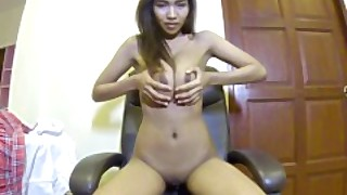 Webcam Girl Shows Off Her Amazing Breasts