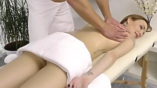 Hot Chick Gets A Cock During A Massage