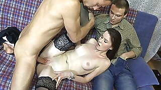 18 Videoz - Kitkat - A Game Of Courtesan