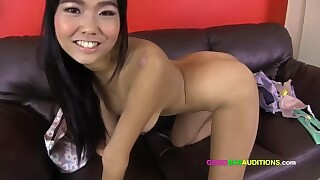 Big Titty Thai Girl Auditions For Pattaya Gogo