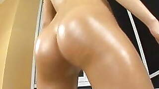 Teen Oiling And Massaging Her Perfect Butt