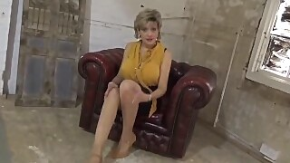 Jerk Off Instructions From Beautiful Lady Sonia