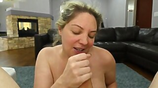 Kiki Daire Gives Head Til She Glazes The Back Of Her Throat With Cum