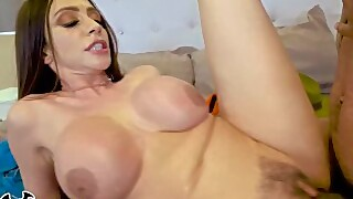 Bangbros - Busty Cougar Ariella Ferrera Trades Her Pussy For Lil Ds Cookies