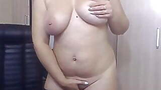 Curvy Russian Woman Fingering Her Pussy On Webcam