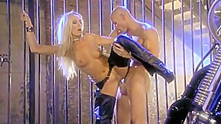 Sue Diamond fucks a biker and gets the treatment his bike gets